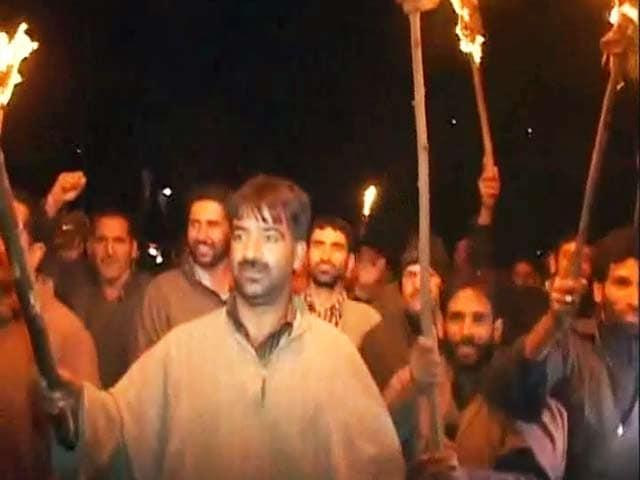 Videos : सर्द कश्मीर में चुनावी सरगर्मी