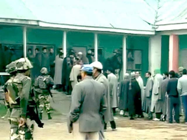 Videos : जम्मू-कश्मीर और झारखंड में पहले दौर का मतदान