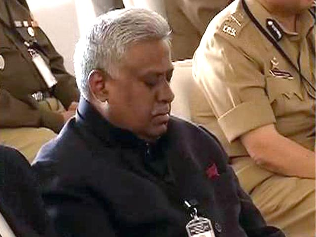 Video : As Rajnath Singh Speaks on Internal Security, CBI Chief Appears to be Sleeping