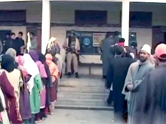 Video : जम्मू-कश्मीर, झारखंड में मतदान जारी