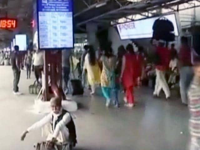 Videos : नई दिल्ली स्टेशन पर आज से शुरू होगी मुफ्त वाई-फाई सुविधा