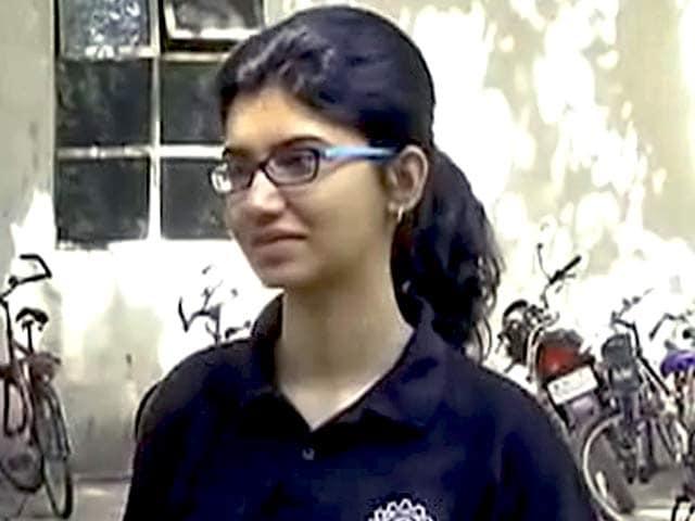 Videos : आईआईटी छात्रा को फेसबुक ने दिया 1.4 करोड़ का पैकेज