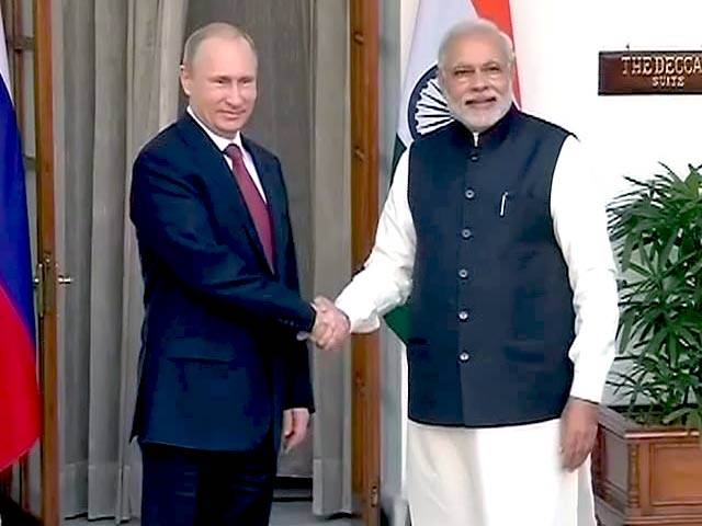 Video : रूसी राष्ट्रपति पुतिन से मिले पीएम नरेंद्र मोदी