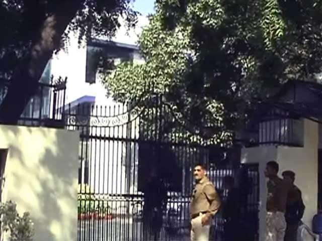 Video : करोड़पति इंजीनियर मामला : नोएडा अथॉरिटी को आयकर विभाग का नोटिस