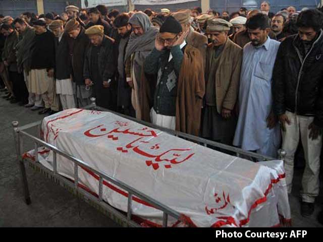 Video : Pakistani Taliban Attack on Peshawar School Leaves 145 Dead