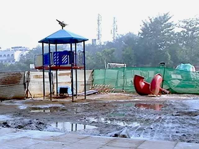 Videos : सीवर के पानी में डूबा दिल्ली का स्कूल
