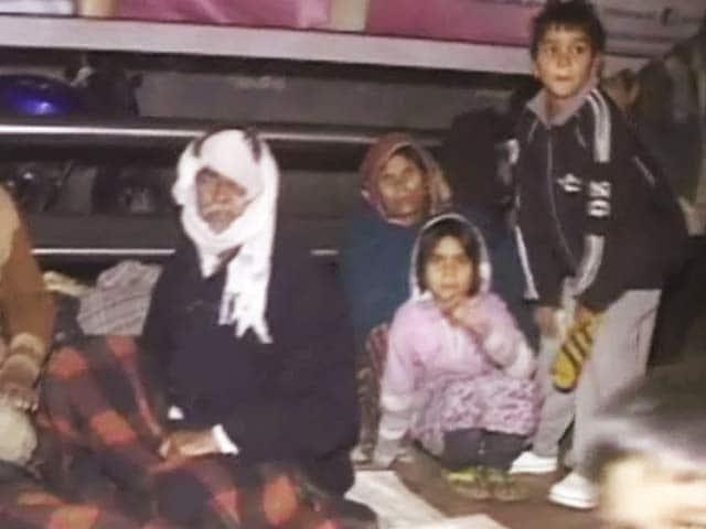 Video : एम्स के बाहर ठंड में रात बिताने को मजबूर मरीज