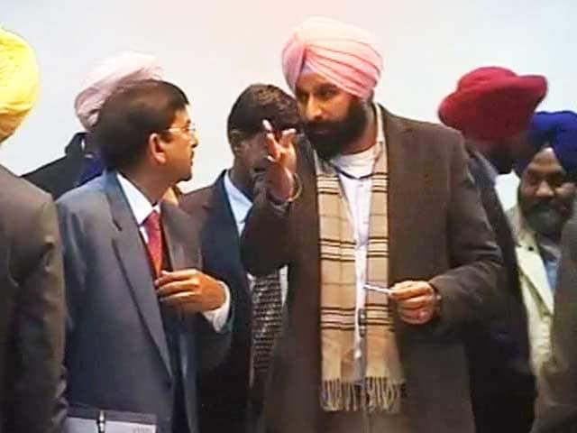 Videos : इंडिया 9 बजे : ड्रग्स केस में घिरे पंजाब के मंत्री