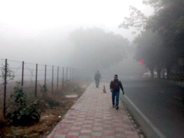 Video : दिल्ली में पांच साल का सबसे ठंडा दिन