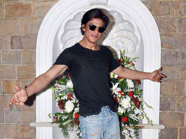 Video : Shah Rukh Khan To Bring in 2015 in Dubai