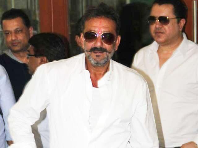 Videos : फिर संजय दत्त को मिली जेल से 14 दिनों की छुट्टी