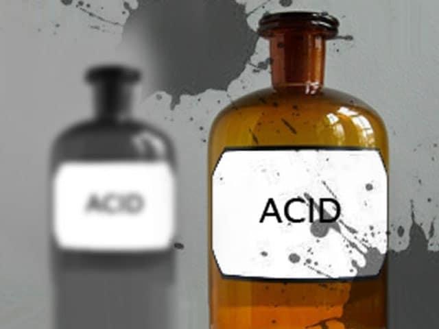 Video : एसिड की बिक्री पर रोक की मुहिम