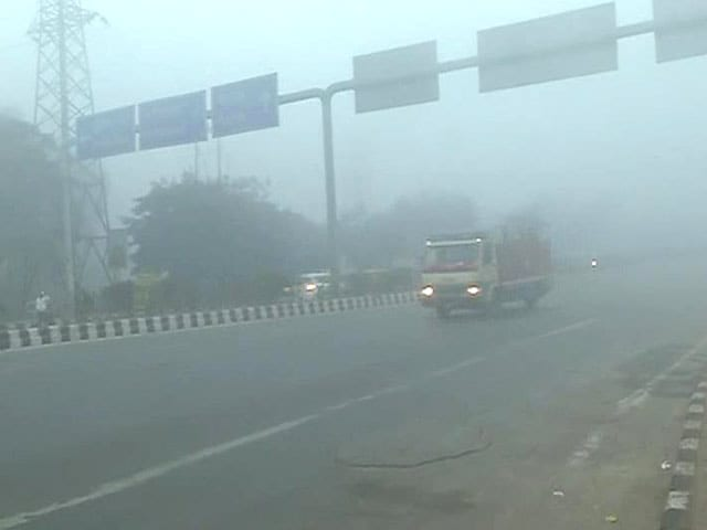 Video : Delhi Freezes at 2.6 Degrees; 55 Flights and 70 Trains Affected Due to Low Visibility