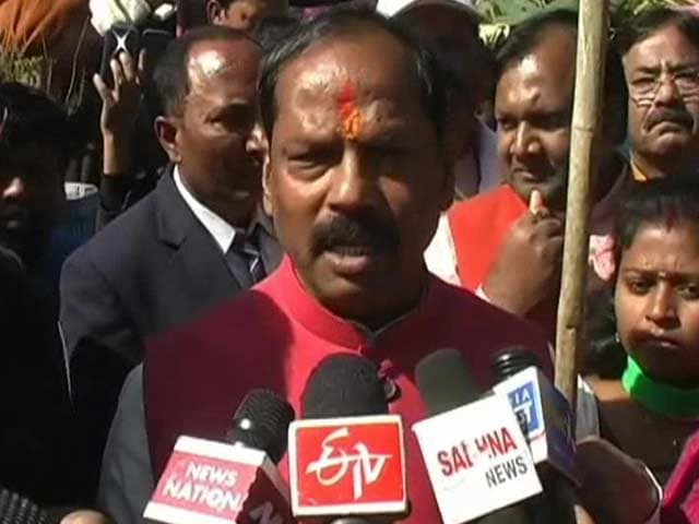 Video : Raghubar Das Sworn-In as Jharkhand Chief Minister, PM Modi Misses Ceremony Due to Fog in Delhi