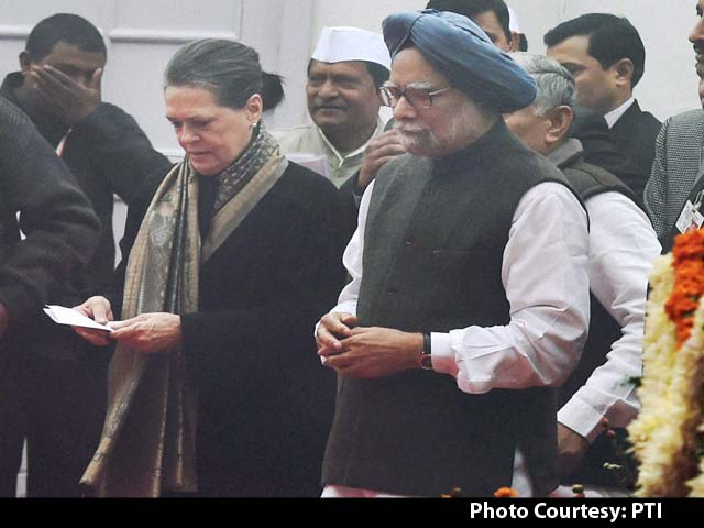 Video : Congress Marks 130th Foundation Day in Delhi, Rahul Gandhi Not Present at Function