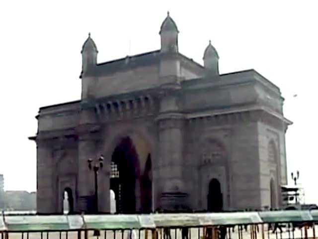 Video : बेंगलुरु धमाके के बाद मुंबई में सुरक्षा बढ़ाई गई