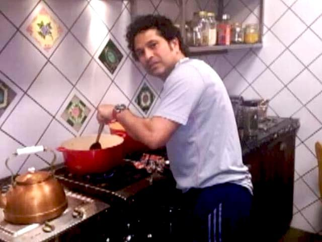 Video : Sachin Tendulkar: Master Blaster to Master Chef!