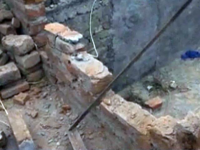 Videos : हरकतों से बाज नहीं आ रहा पाक, बीएसएफ पोस्टों पर की फायरिंग