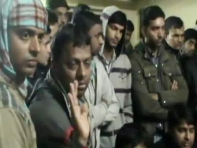 Videos : बिहार में टाटा-छपरा एक्सप्रेस डकैती