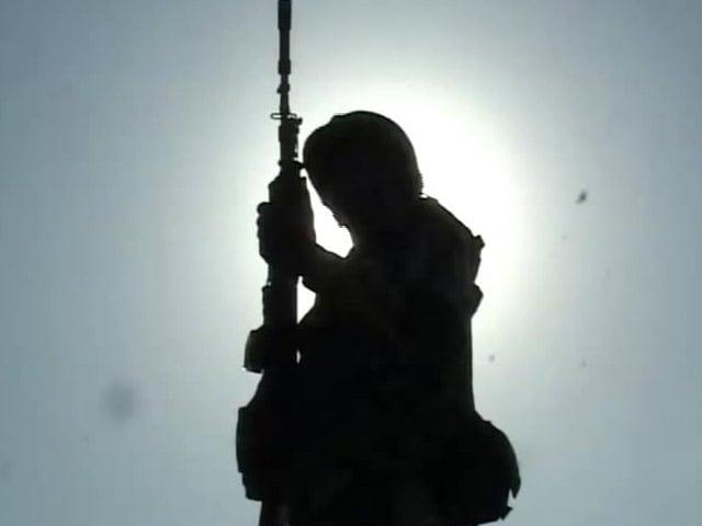 Video : BSF Jawan Killed in Pakistan's Ceasefire Violation; Schools Shut, Villages Evacuated