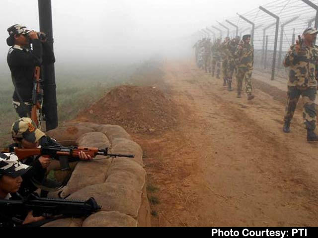 Video : Heavy Overnight Shelling by Pakistan at International Border in Jammu and Kashmir