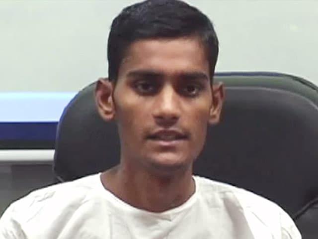 Videos : ट्रैक्टर से कुचले छात्र को नया जीवन