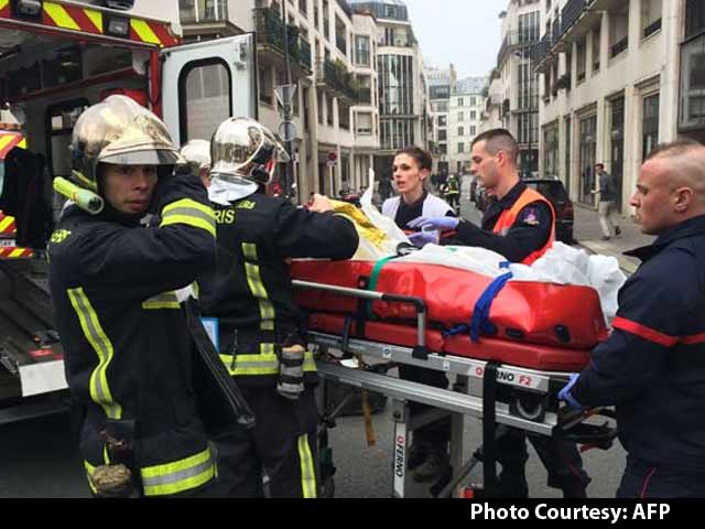 Video : 12 People Shot Dead at Satirical Weekly's Office in Paris