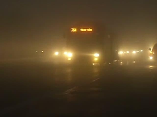 Video : दिल्ली-एनसीआर में कोहरे ने रोकी रफ्तार
