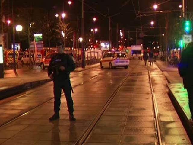 Video : खबरों की खबर : फ्रांस में दहशत के ये तीन दिन