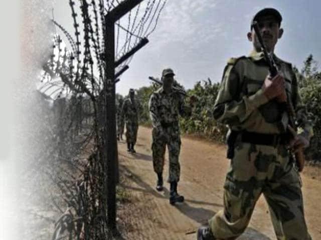 Videos : जम्मू : पाक ने सीमा पर फिर की गोलीबारी