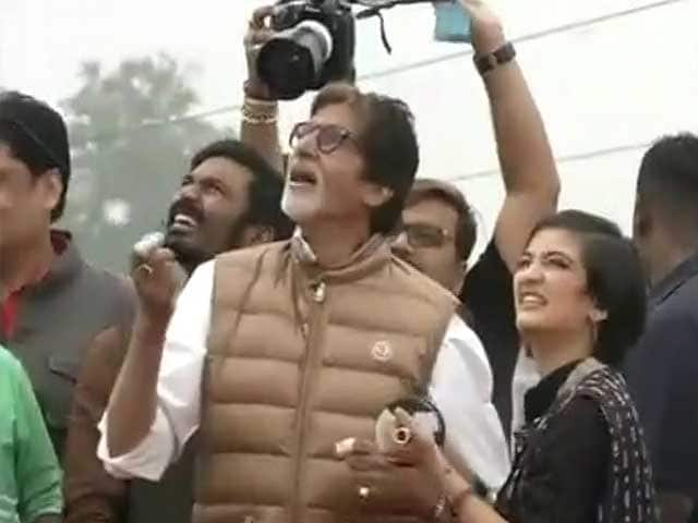 Video : Big B Flies a Kite in Ahmedabad, Wishes You Happy Makar Sankranti