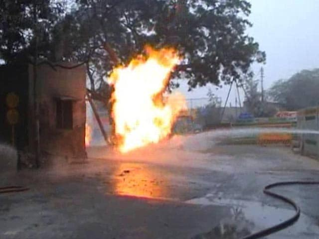 Video : In South Delhi, Gas Pipeline Catches Fire; No Casualties Reported