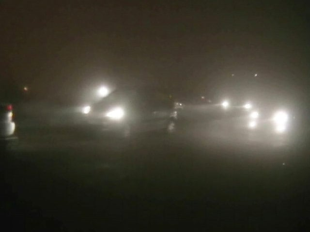Video : 47 Flights Delayed, 21 Cancelled as Dense Fog Engulfs Delhi
