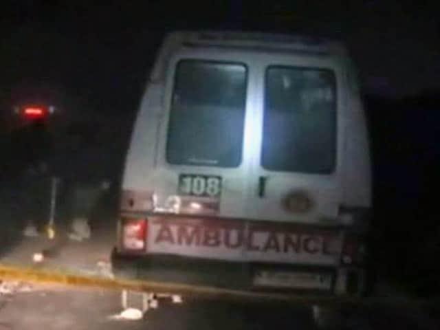 Videos : उत्तर प्रदेश : मथुरा की जेल में गैंगवार, दो गुटों में फायरिंग