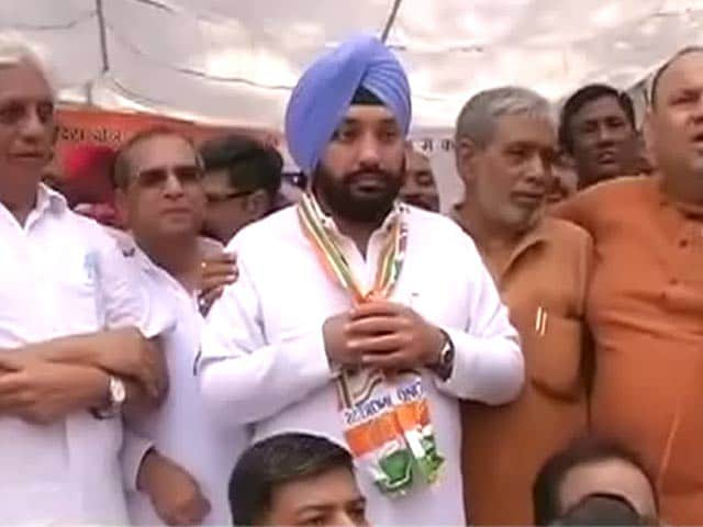 Sheila Dikshit A Burden On Congress: Arvinder Singh Lovely