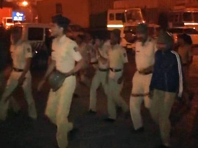 Video : Nearly 600 Truck Drivers Clash With Cops Near Navi Mumbai, Police Vehicle Torched