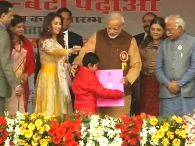 Video : We Felt for One 'Prince', What About Our Dying Girls, Asks PM Modi