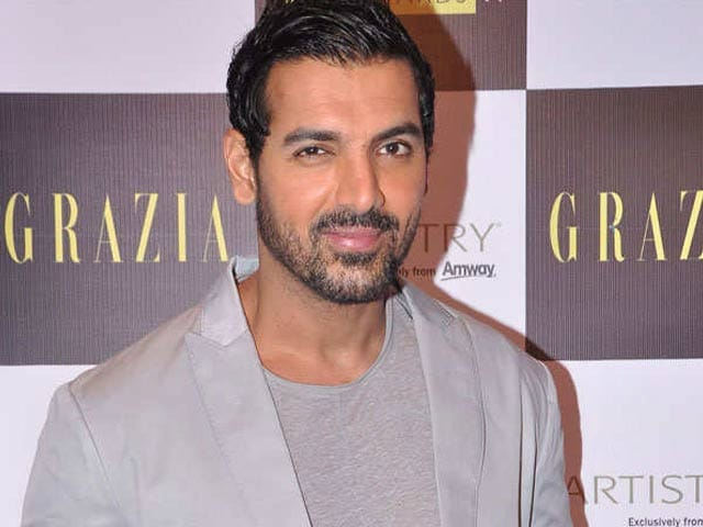 Video : John Abraham in <i>Aankhen</i> Sequel
