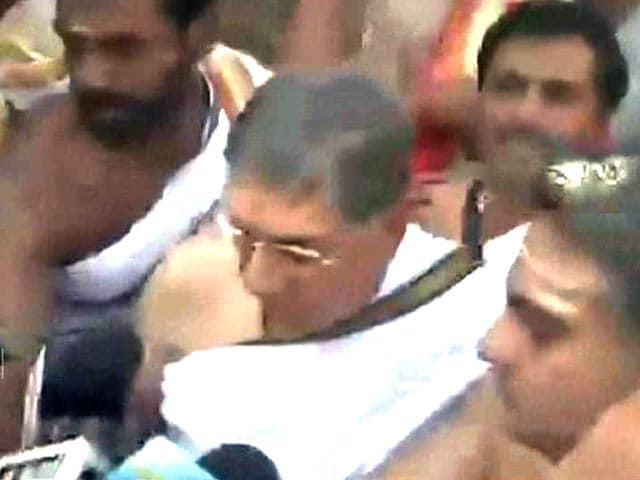 Video : N. Srinivasan Ducks Media After Supreme Court Snub