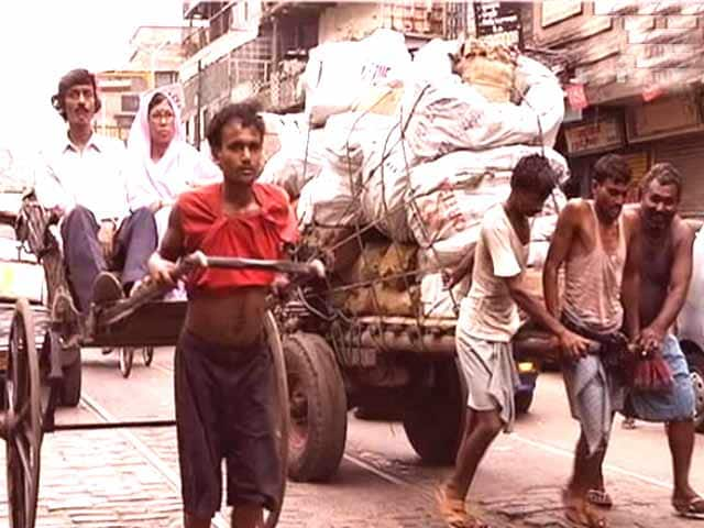 Video : Prime Documentaries - Men of Burden: Pedaling Towards a Horizon