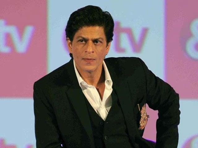 Video : SRK to Recreate Gujarat in Mumbai for <i>Raees</i>