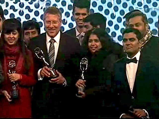 Video : Go Behind the Scenes of CNB Awards 2015