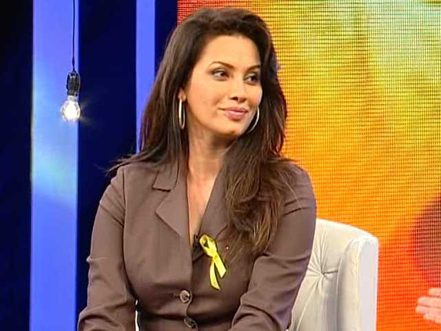 Video : Cancer Only Be Handled With Awareness: Diana Hayden