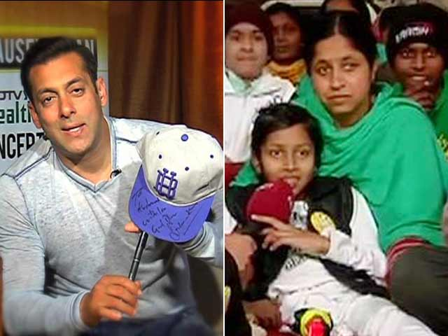 Video : Salman Khan Brings a Smile on a Young Fan's Face
