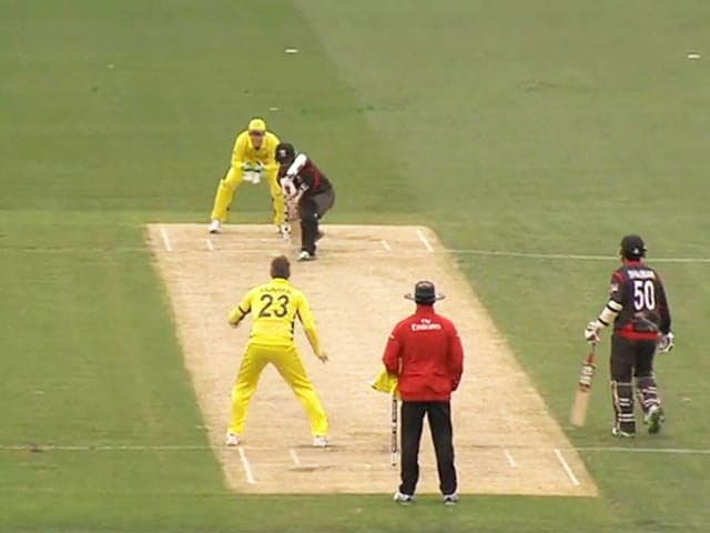 Video : Michael Clarke Returns to World Cup Action in Warm-up Tie vs UAE