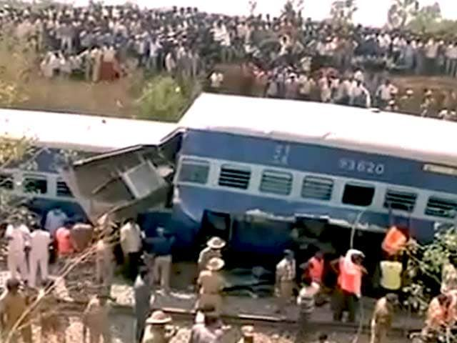 Video : बेंगलुरु-एर्नाकुलम एक्स. पटरी से उतरी, 11 मरे