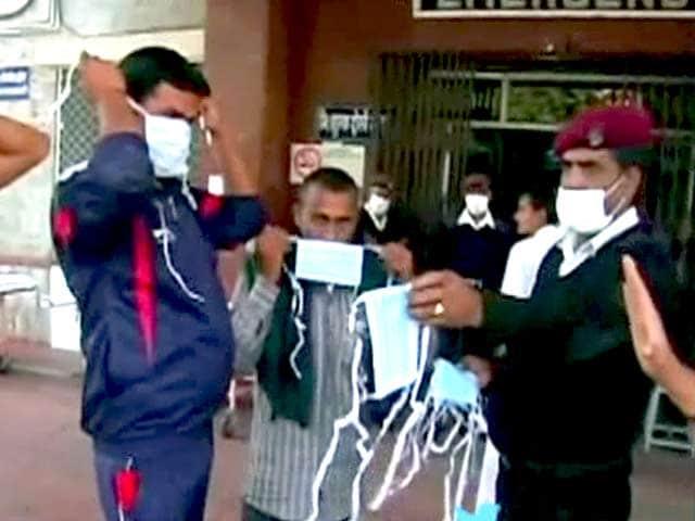 Video : इंडिया 7 बजे : दिल्ली सरकार ने तय की स्वाइन फ्लू टेस्ट की कीमत