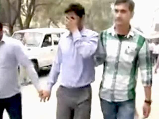 Video : मंत्रालय में जासूसी कांड : वीरेंद्र नाम का शख्स गिरफ्तार