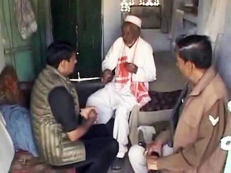 Videos : अयोध्या मसले पर नया फॉर्मूला : 'मंदिर भी बने और मस्जिद भी'
