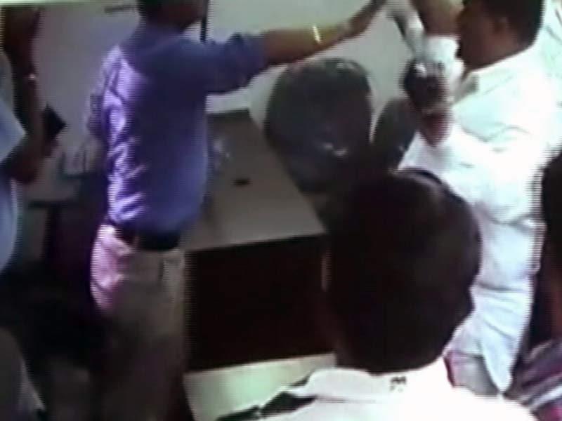 Video : स्पीड न्यूज : नवी मुंबई में टोल प्लाजा पर MNS कार्यकर्ताओं का हमला